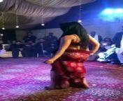 Beautiful girl hot mujra hot style on wedding 0ld video 2017<br/><br/>Beautiful girl hot mujra hot style on wedding 0ld video 2017<br/>