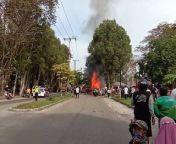 Mobil pengangkut BBM terbakar di Jl. Willem A. Samad, Kelurahan Menteng Kecamatan Jekan Raya Kota Palangka Raya Kalimantan Tengah.